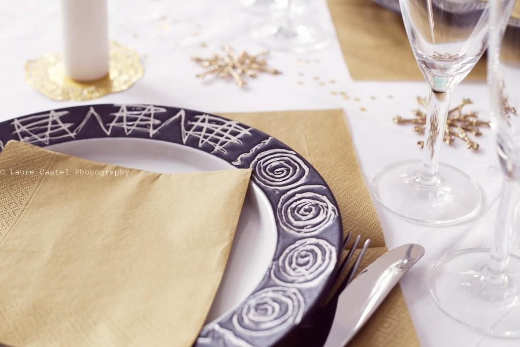 Les Petits Riens table de fêtes blanche et or