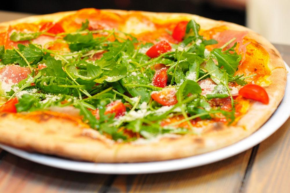 Pizza sur Seine | Les Petits Riens
